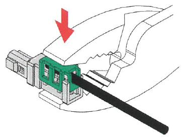 電線の被服をむかず挿入しプライヤーで圧接します。