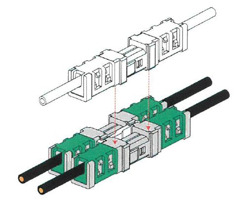 連結板は嵌合したコネクタ同士を連結することも出来ます。