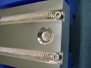 大電流面接触コネクタ